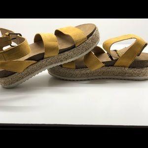 Universal Thread Shoes - Universal thread espadrille sandals yellow 9 EUC